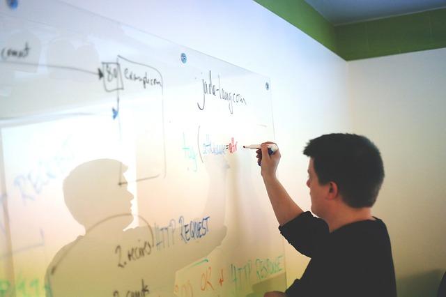 4 maneiras de gerenciar conflitos no trabalho